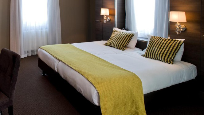 superior room with bubble bath Hotel Gilze - Tilburg