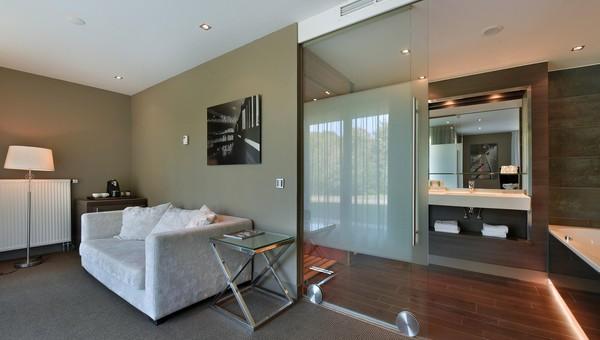 Balkon Met Jacuzzi : Superior infrared room with balcony van der valk hotel gilze tilburg