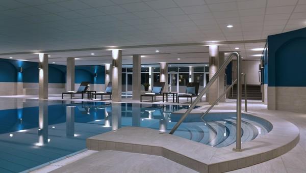 Hotel met zwembad van der valk tilburg